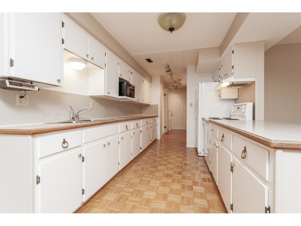 Photo 15: Photos: 27139 28A Avenue in Langley: Aldergrove Langley House for sale : MLS®# R2437213