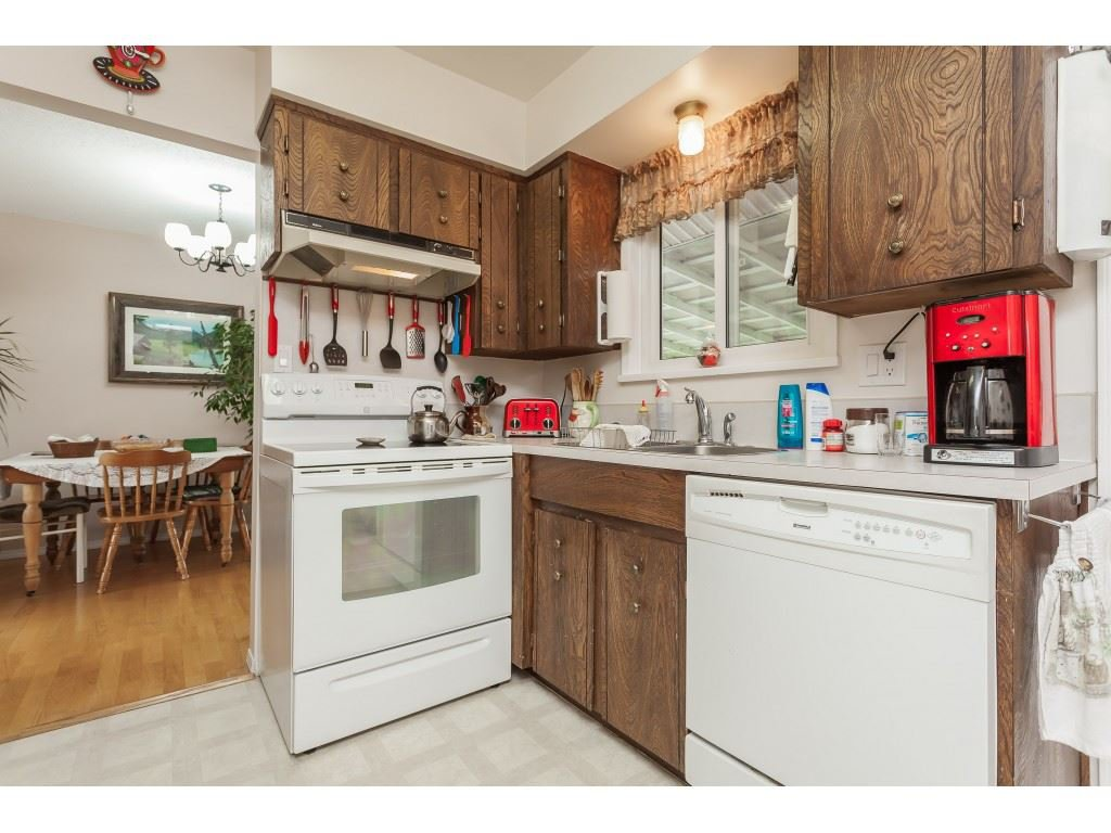 Photo 7: Photos: 27139 28A Avenue in Langley: Aldergrove Langley House for sale : MLS®# R2437213