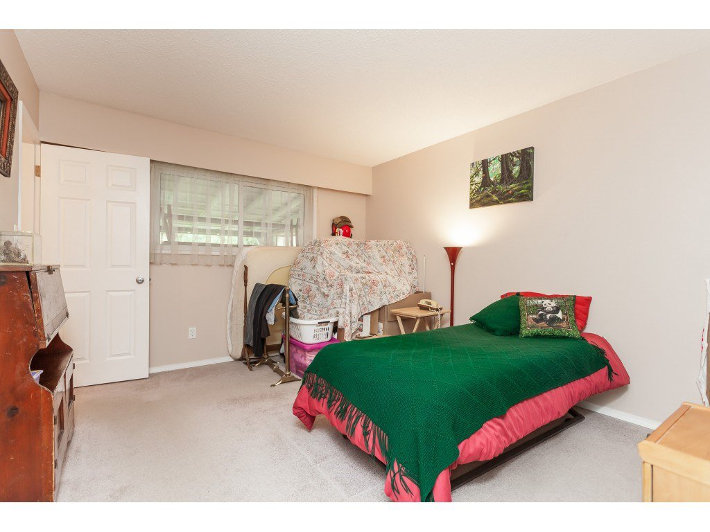 Photo 11: Photos: 27139 28A Avenue in Langley: Aldergrove Langley House for sale : MLS®# R2437213