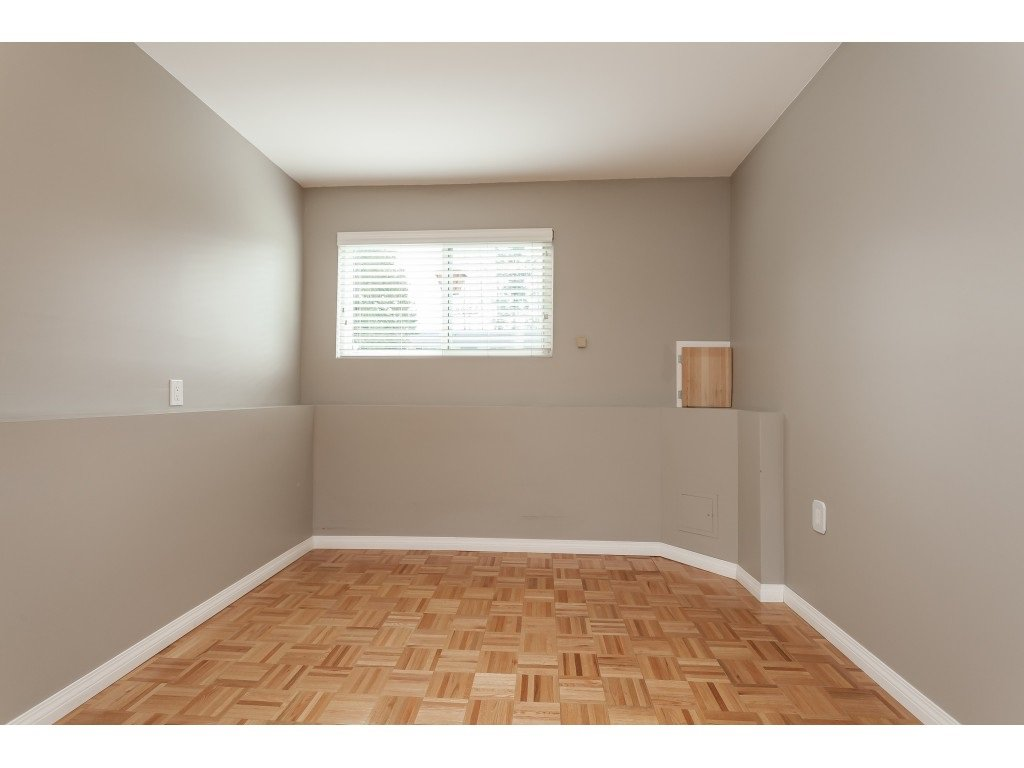 Photo 17: Photos: 27139 28A Avenue in Langley: Aldergrove Langley House for sale : MLS®# R2437213