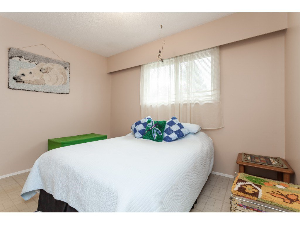 Photo 10: Photos: 27139 28A Avenue in Langley: Aldergrove Langley House for sale : MLS®# R2437213