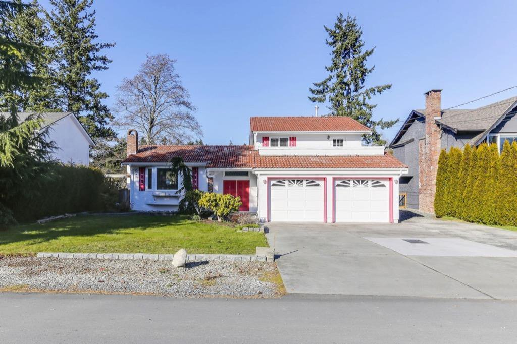 "Main Photo: 5337 1A Avenue in Delta: Pebble Hill House for sale in ""PEBBLE HILL"" (Tsawwassen)  : MLS®# R2437302"