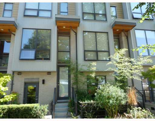Main Photo: 3746 Commercial Street in Vancouver: Home for sale : MLS®# V782817