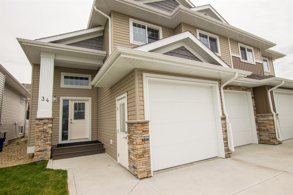 Photo 1: Photos: 34 N Cameron Close in Sylvan Lake: Crestview Residential for sale : MLS®# A1012845