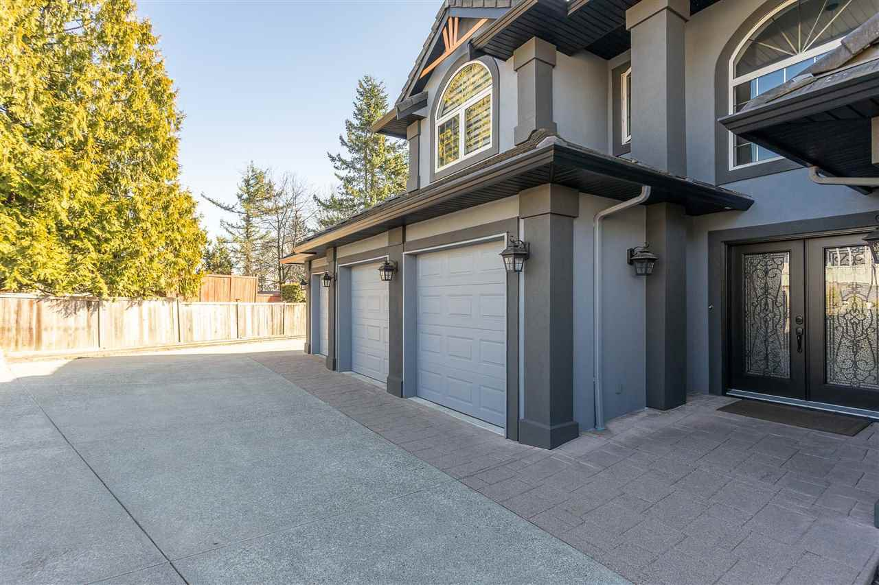 Photo 2: Photos: 32498 BOBCAT Drive in Mission: Mission BC House for sale : MLS®# R2479887