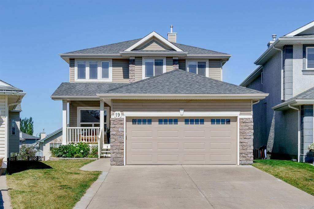 Main Photo: 19 VALLEY STREAM Place NW in Calgary: Valley Ridge Detached for sale : MLS®# A1026881