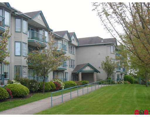 "Main Photo: 210 20881 56TH Avenue in Langley: Langley City Condo for sale in ""Robert's Court"" : MLS®# F2712620"