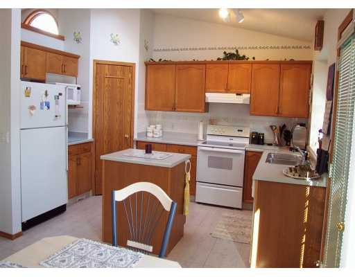 Photo 4: Photos:  in CALGARY: Douglasdale Estates Residential Detached Single Family for sale (Calgary)  : MLS®# C3208098