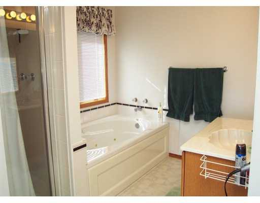 Photo 7: Photos:  in CALGARY: Douglasdale Estates Residential Detached Single Family for sale (Calgary)  : MLS®# C3208098