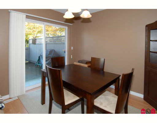 """Photo 3: Photos: 301 16233 82ND Avenue in Surrey: Fleetwood Tynehead Townhouse for sale in """"THE ORCHARDS"""" : MLS®# F2728086"""