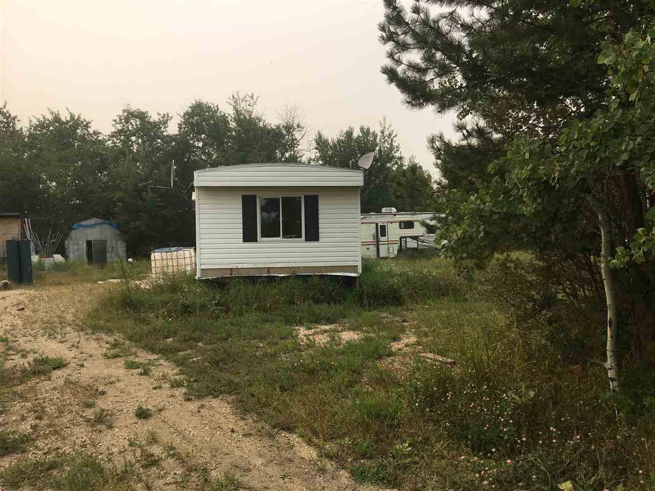 Main Photo: 50046 Hay Lakes Trail: Rural Leduc County Manufactured Home for sale : MLS®# E4175726