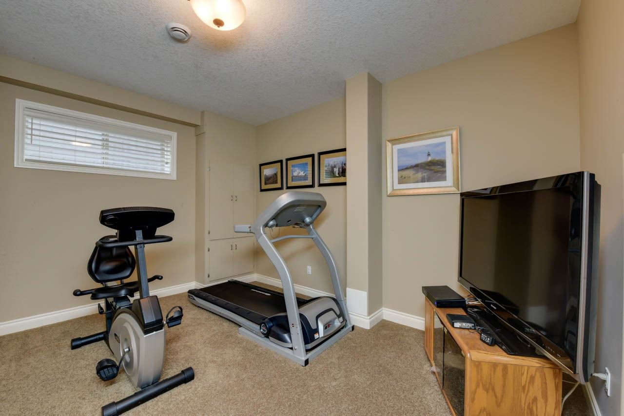 Photo 27: Photos: 1453 WOODWARD CR NW in Edmonton: Zone 22 House for sale