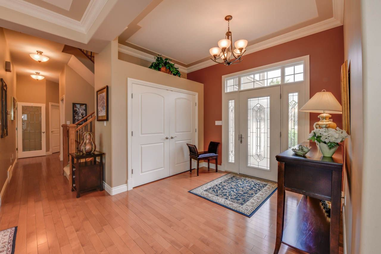 Photo 2: Photos: 1453 WOODWARD CR NW in Edmonton: Zone 22 House for sale