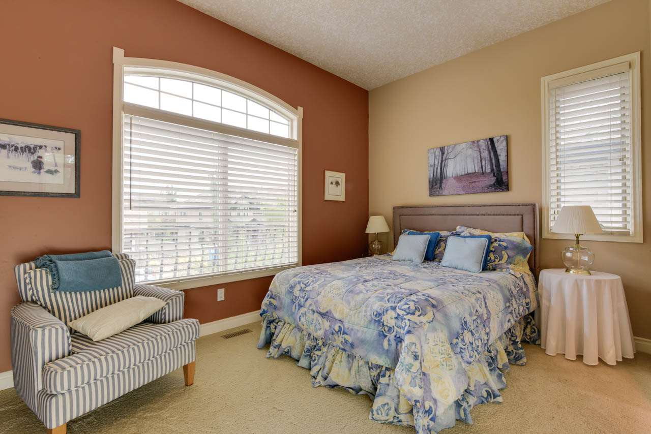 Photo 23: Photos: 1453 WOODWARD CR NW in Edmonton: Zone 22 House for sale