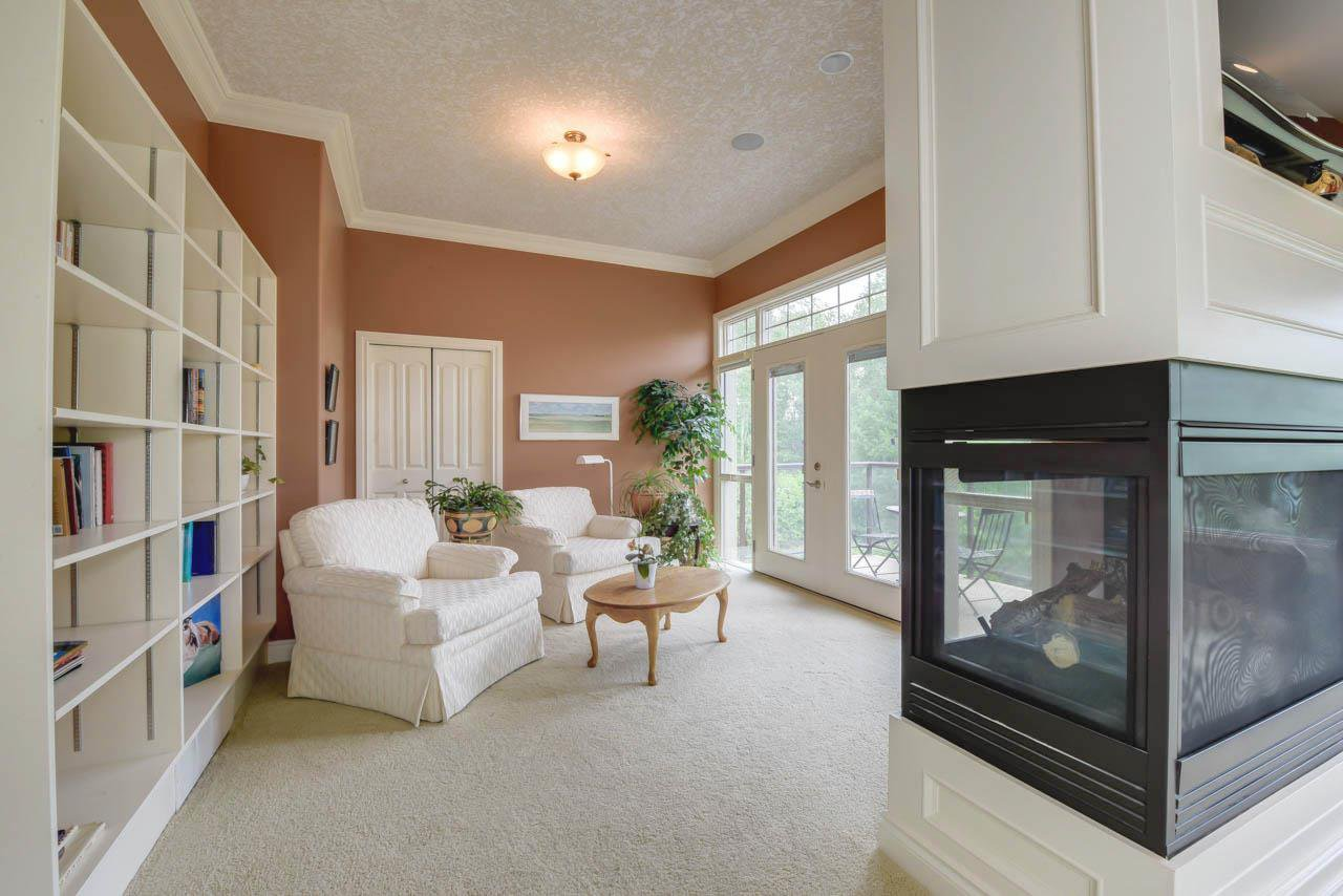 Photo 14: Photos: 1453 WOODWARD CR NW in Edmonton: Zone 22 House for sale