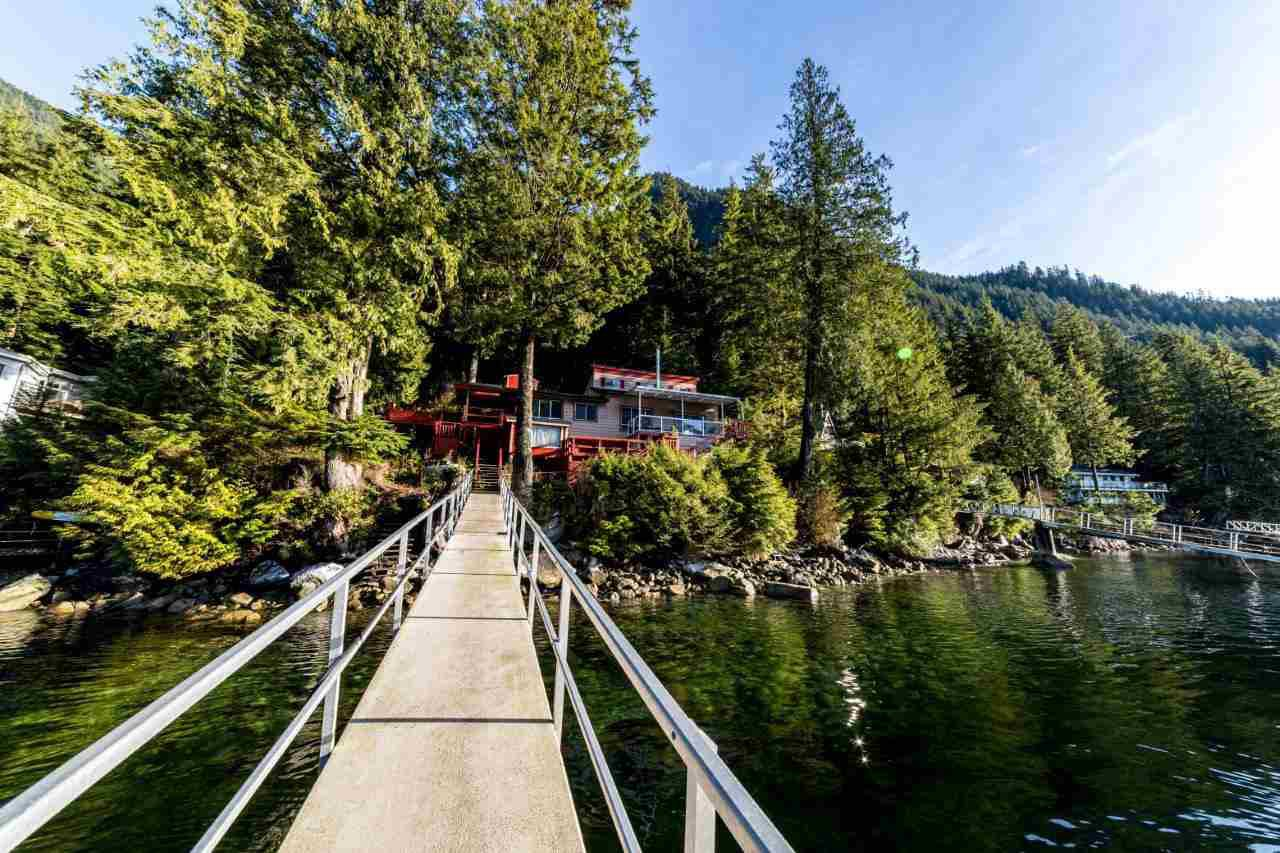 Photo 5: Photos: 26 E OF CROKER ISLAND in North Vancouver: Indian Arm House for sale : MLS®# R2424254