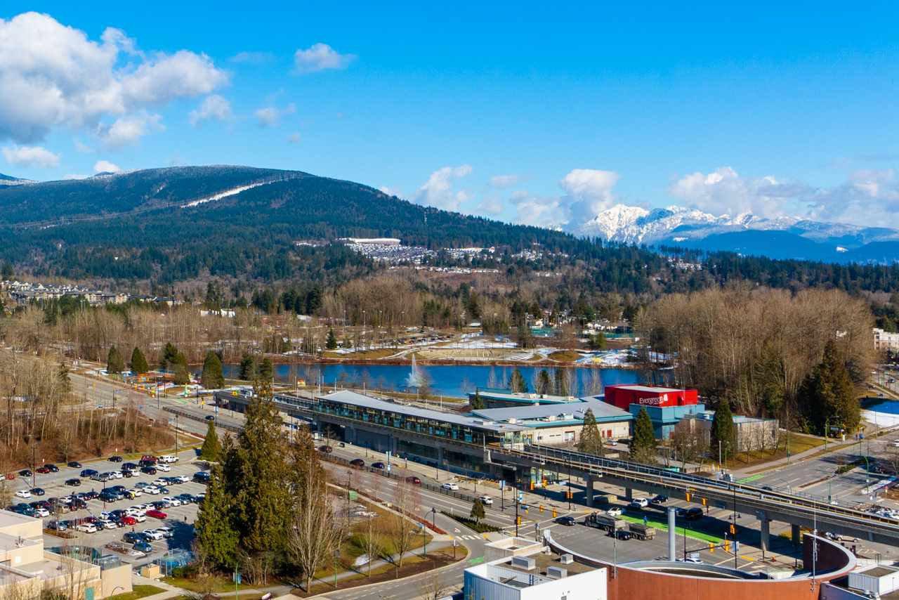 "Main Photo: 2105 2982 BURLINGTON Drive in Coquitlam: North Coquitlam Condo for sale in ""EDGEMENT"" : MLS®# R2442900"