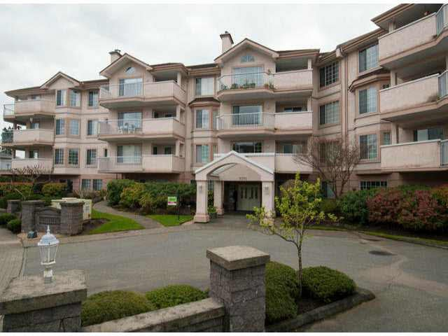 Main Photo: 304 5375 205TH STREET in : Langley City Condo for sale : MLS®# F1308683
