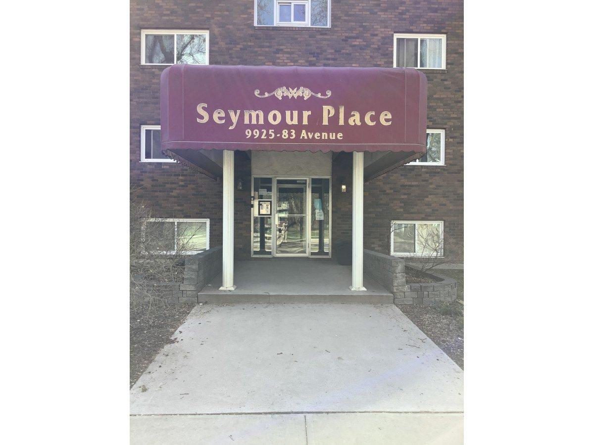 Main Photo: 9925 83 Avenue in Edmonton: Condo for rent