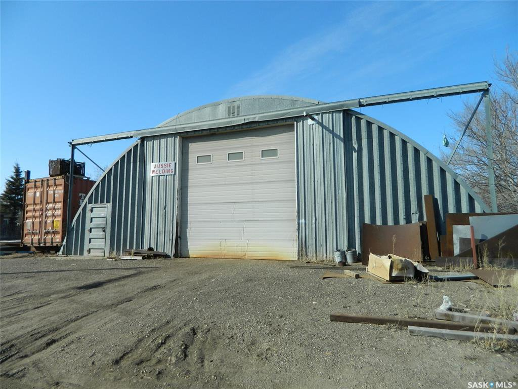 Main Photo: 1102 Ominica Street East in Moose Jaw: Hillcrest MJ Commercial for sale : MLS®# SK838407