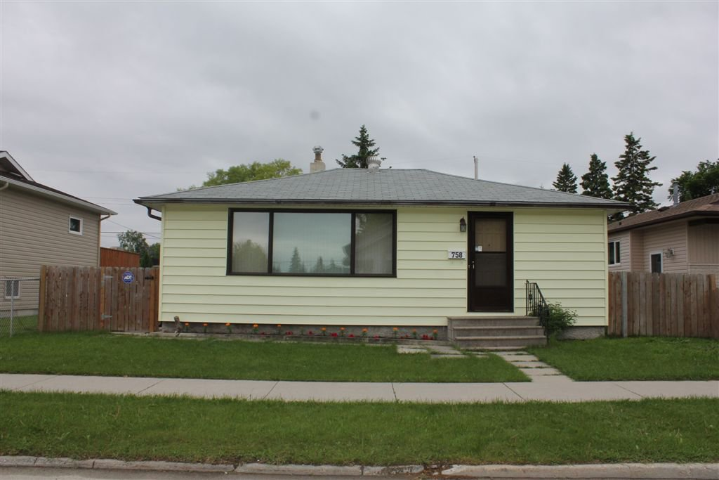 Main Photo: 758 Government Avenue in Winnipeg: East Kildonan Single Family Detached for sale (North East Winnipeg)  : MLS®# 1112497