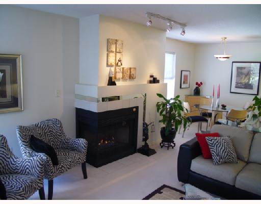 """Main Photo: 306 1188 CARDERO Street in Vancouver: West End VW Condo for sale in """"THE HAMPSTEAD"""" (Vancouver West)  : MLS®# V696316"""