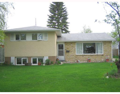 Main Photo: 68 GILIA Drive in WINNIPEG: West Kildonan / Garden City Residential for sale (North West Winnipeg)  : MLS®# 2809405