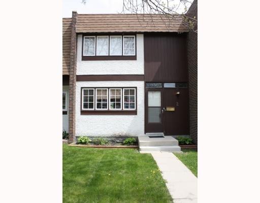 Main Photo: 2 Abercorn Grove in Winnipeg: Condominium for sale : MLS®# 2905845