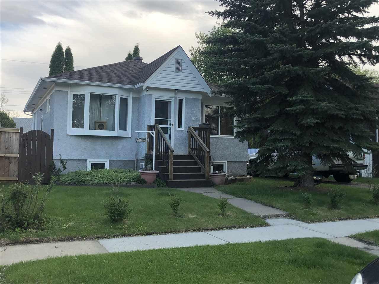 Main Photo: 5009 44 Avenue: Wetaskiwin House for sale : MLS®# E4179796