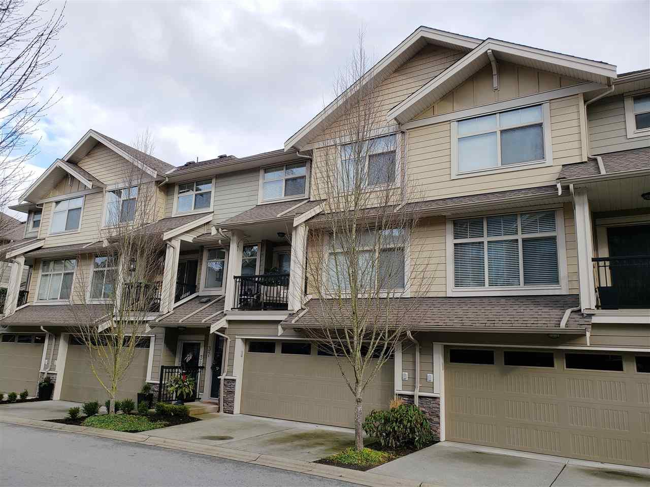 "Main Photo: 37 22225 50 Avenue in Langley: Murrayville Townhouse for sale in ""Murray's Landing"" : MLS®# R2435449"