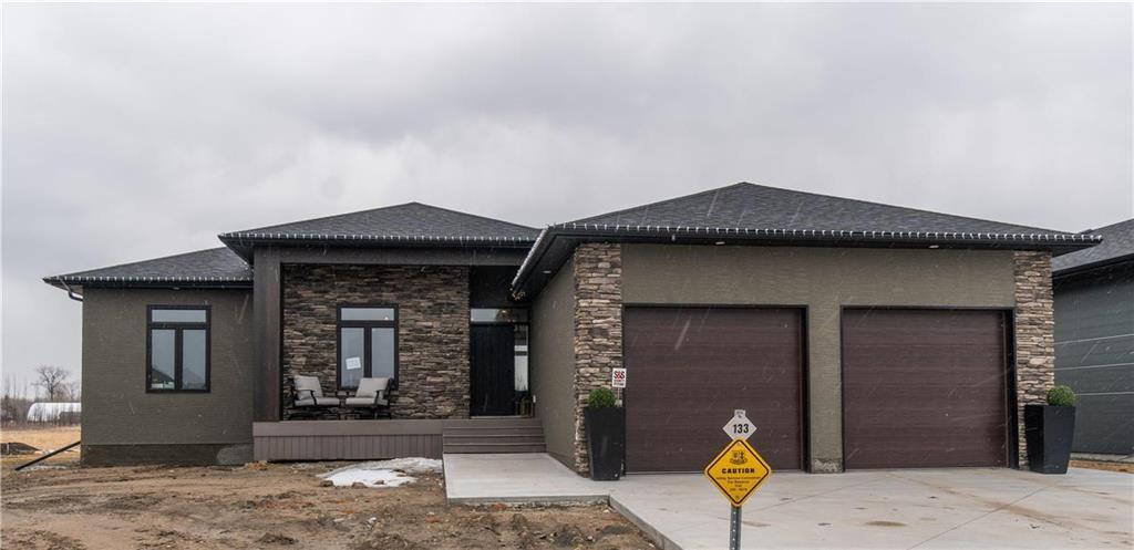 Main Photo: 133 CUTLASS Drive in Steinbach: R16 Residential for sale : MLS®# 202007542