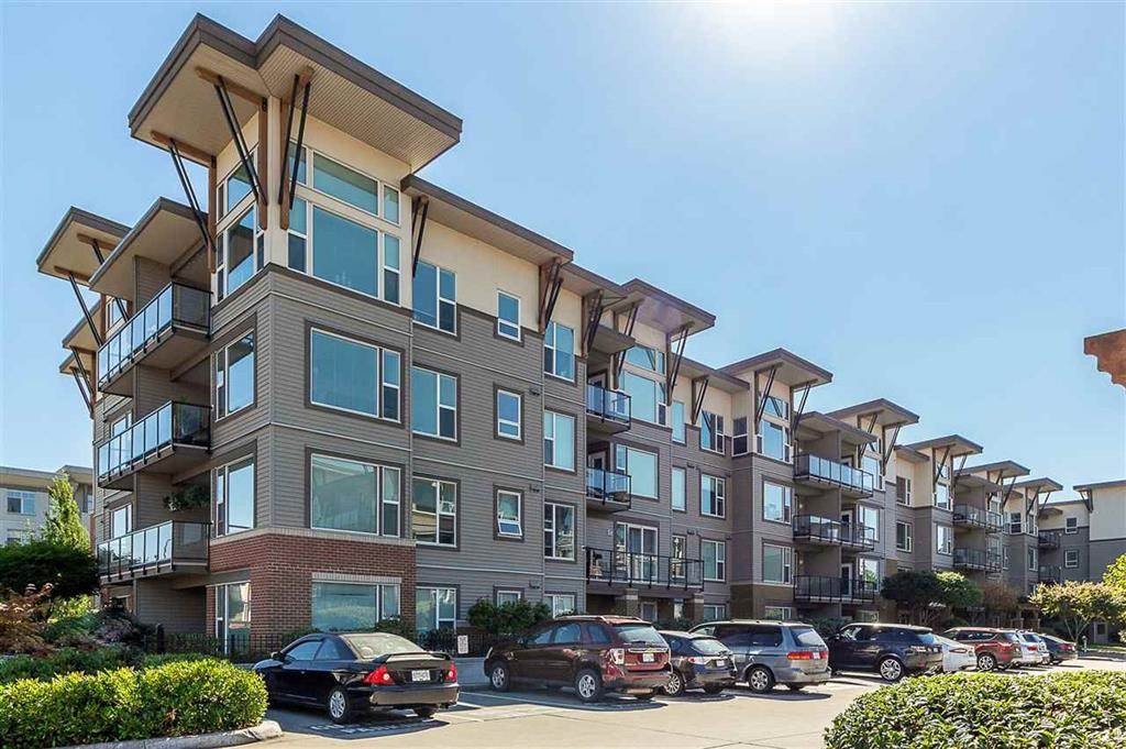 "Main Photo: 413 33539 HOLLAND Avenue in Abbotsford: Central Abbotsford Condo for sale in ""The Crossing"" : MLS®# R2465000"