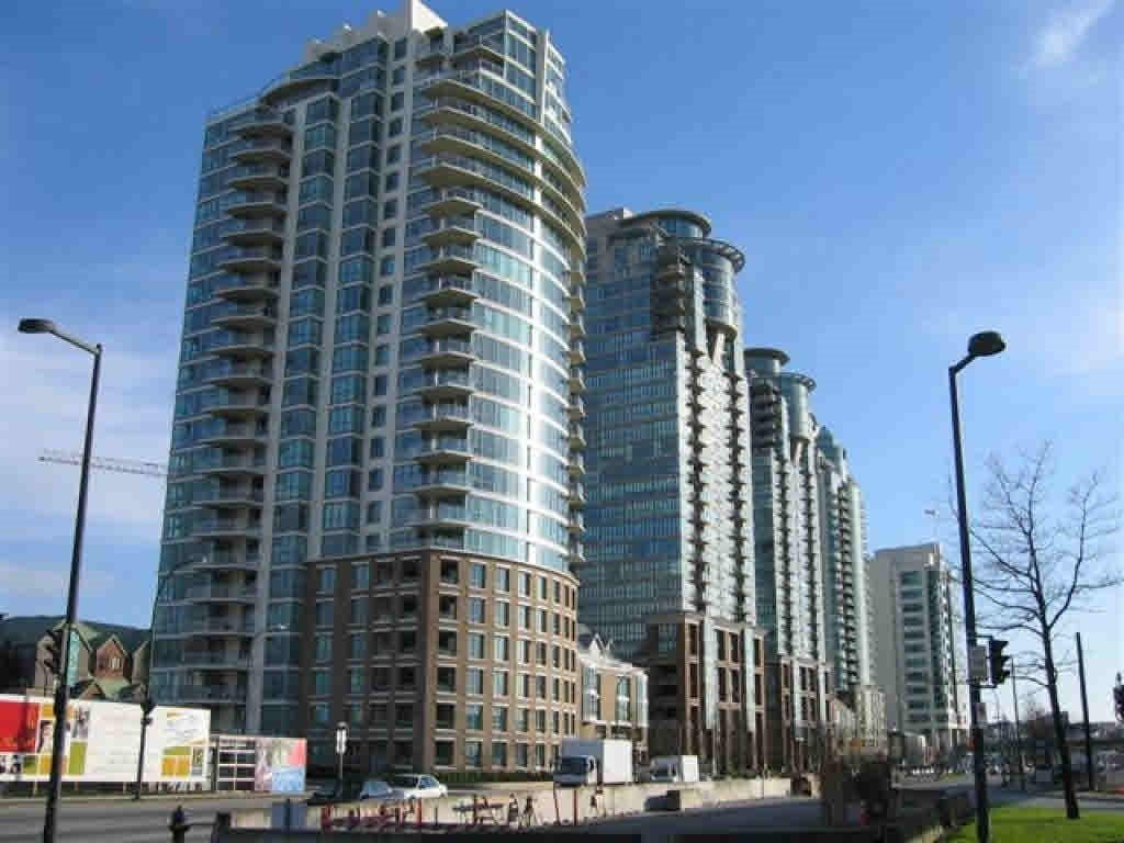 Main Photo: 1402 120 MILROSS AVENUE in Vancouver: Downtown VE Condo for sale (Vancouver East)  : MLS®# R2432415