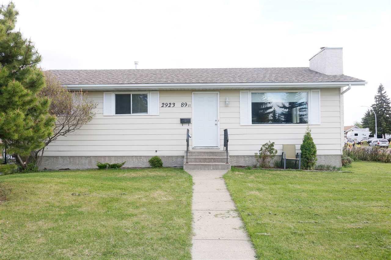 Main Photo: 2923 89 Street in Edmonton: Zone 29 House for sale : MLS®# E4198083