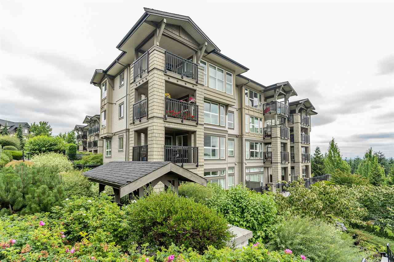 """Main Photo: 407 3082 DAYANEE SPRINGS Boulevard in Coquitlam: Westwood Plateau Condo for sale in """"LANTERNS"""" : MLS®# R2389604"""
