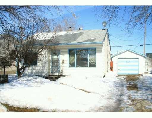 Main Photo: 1995 ELGIN Avenue West in Winnipeg: Brooklands / Weston Single Family Detached for sale (West Winnipeg)  : MLS®# 2703685