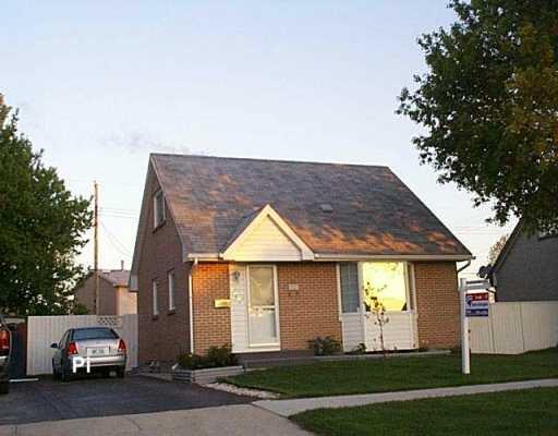 Main Photo: 578 WHYTEWOLD Road in Winnipeg: St James Single Family Detached for sale (West Winnipeg)  : MLS®# 2607190