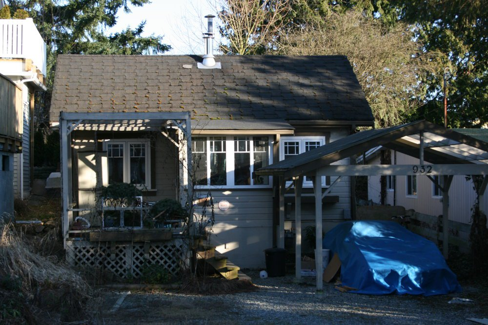 Main Photo: 932 Lee Street in White Rock: Home for sale : MLS®# F2802692