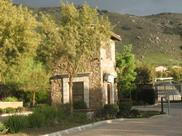 Photo 4: Photos: EAST ESCONDIDO House for sale : 5 bedrooms : 2788 Vistamonte in Escondido
