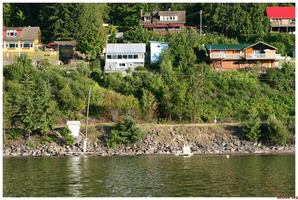 Main Photo: 16 Bruhn Road in Sicamous: Waterfront Residential Detached for sale : MLS®# 10002556