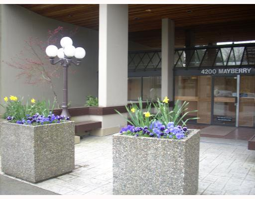 "Main Photo: 1408 4200 MAYBERRY Street in Burnaby: Metrotown Condo for sale in ""TIMES SQUARE"" (Burnaby South)  : MLS®# V703627"