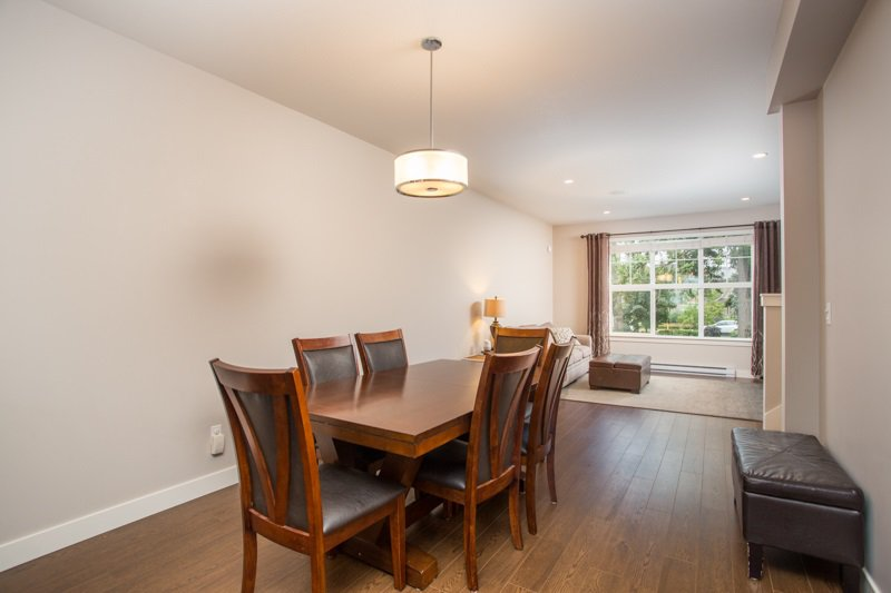 "Photo 6: Photos: 35 2469 164 Street in Surrey: Grandview Surrey Townhouse for sale in ""AbbeyRoad"" (South Surrey White Rock)  : MLS®# R2398912"