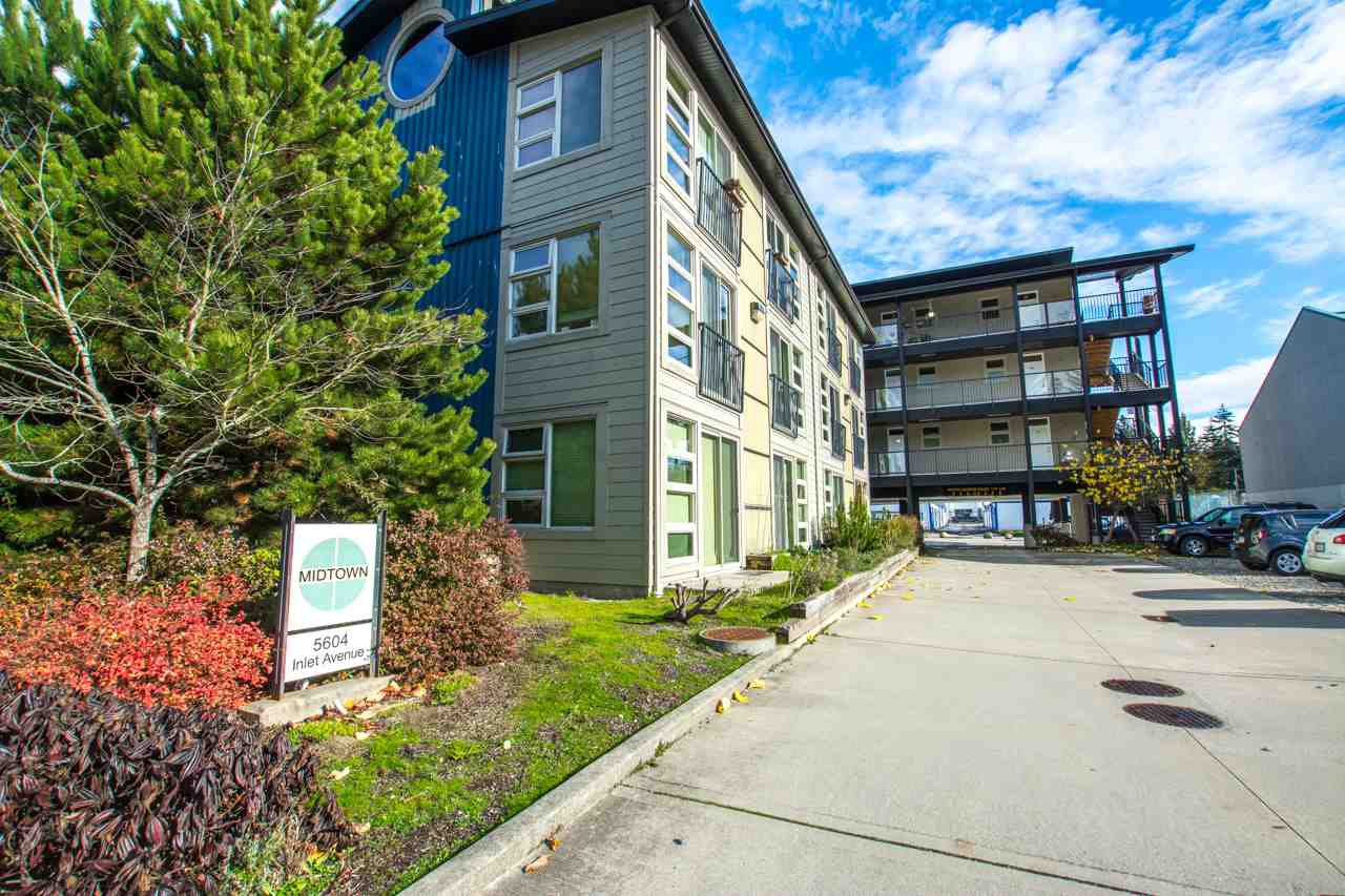 """Main Photo: 216 5604 INLET Avenue in Sechelt: Sechelt District Condo for sale in """"MIDTOWN"""" (Sunshine Coast)  : MLS®# R2525970"""