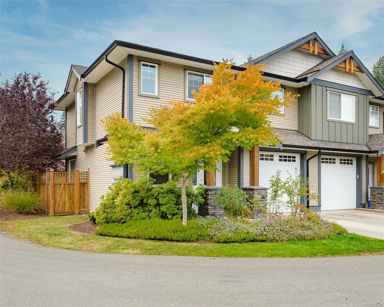 Main Photo: 21 2112 Cumberland Rd in : CV Courtenay City Row/Townhouse for sale (Comox Valley)  : MLS®# 856172