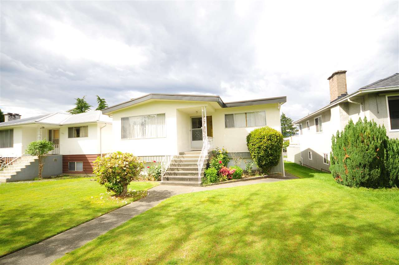 Main Photo: 2815 E 19TH Avenue in Vancouver: Renfrew Heights House for sale (Vancouver East)  : MLS®# R2507820