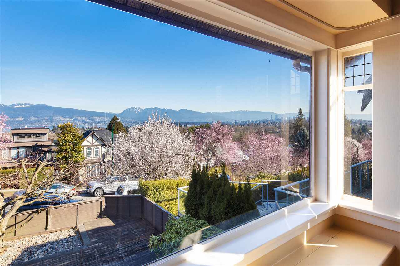 Main Photo: 3770 W 13TH AVENUE in Vancouver: Point Grey House for sale (Vancouver West)