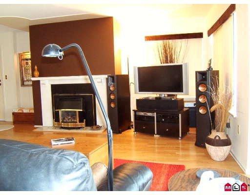 Main Photo: 204 1424 Martin in White Rock: Condo for sale (South Surrey White Rock)  : MLS®# F2912544