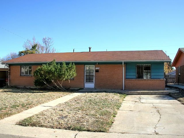 Main Photo: 2548 S Patton Court in Denver: House for sale : MLS®# 1047532
