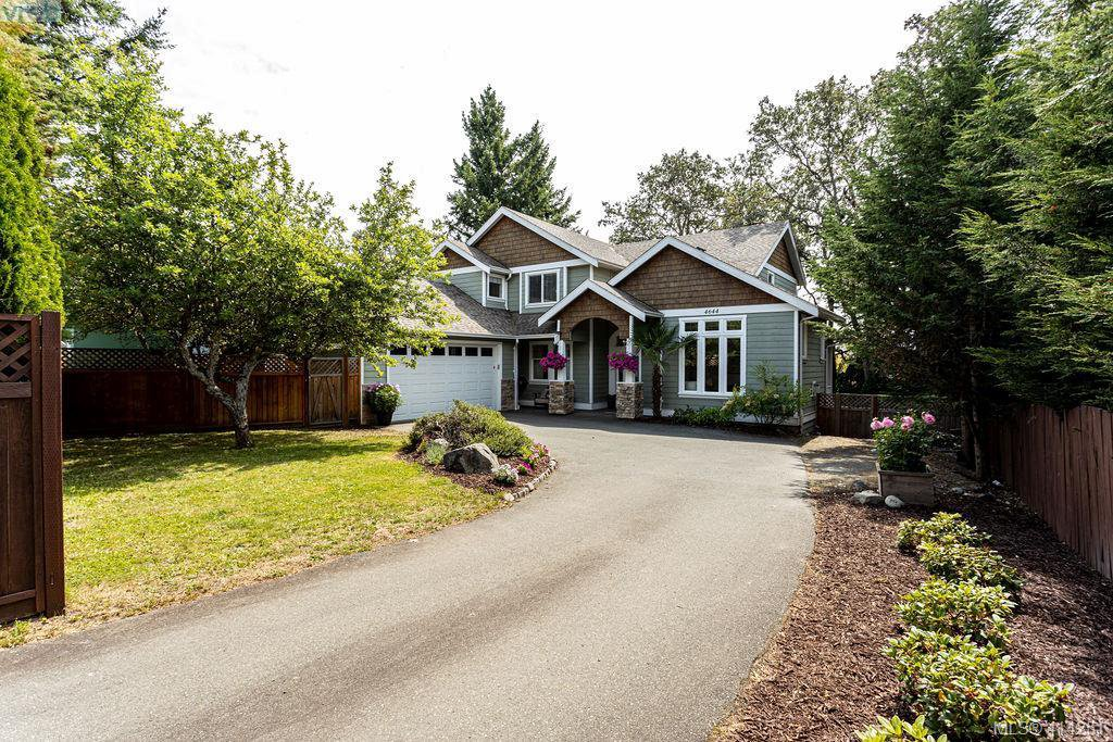 Main Photo: 4644 Falaise Drive in VICTORIA: SE Broadmead Single Family Detached for sale (Saanich East)  : MLS®# 414251
