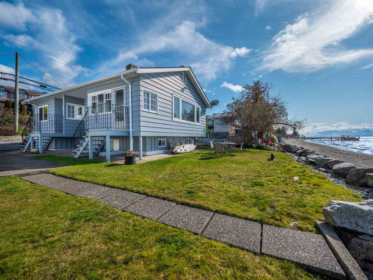 Main Photo: 4825 SUNSHINE COAST Highway in Sechelt: Sechelt District House for sale (Sunshine Coast)  : MLS®# R2440532